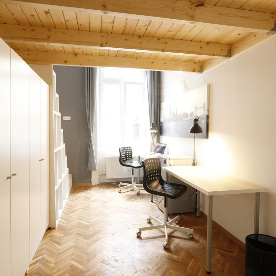 Student_room_for_rent_Budapest_London_room_1