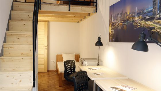 Student_room_for_rent_Budapest_Singapore_room_1