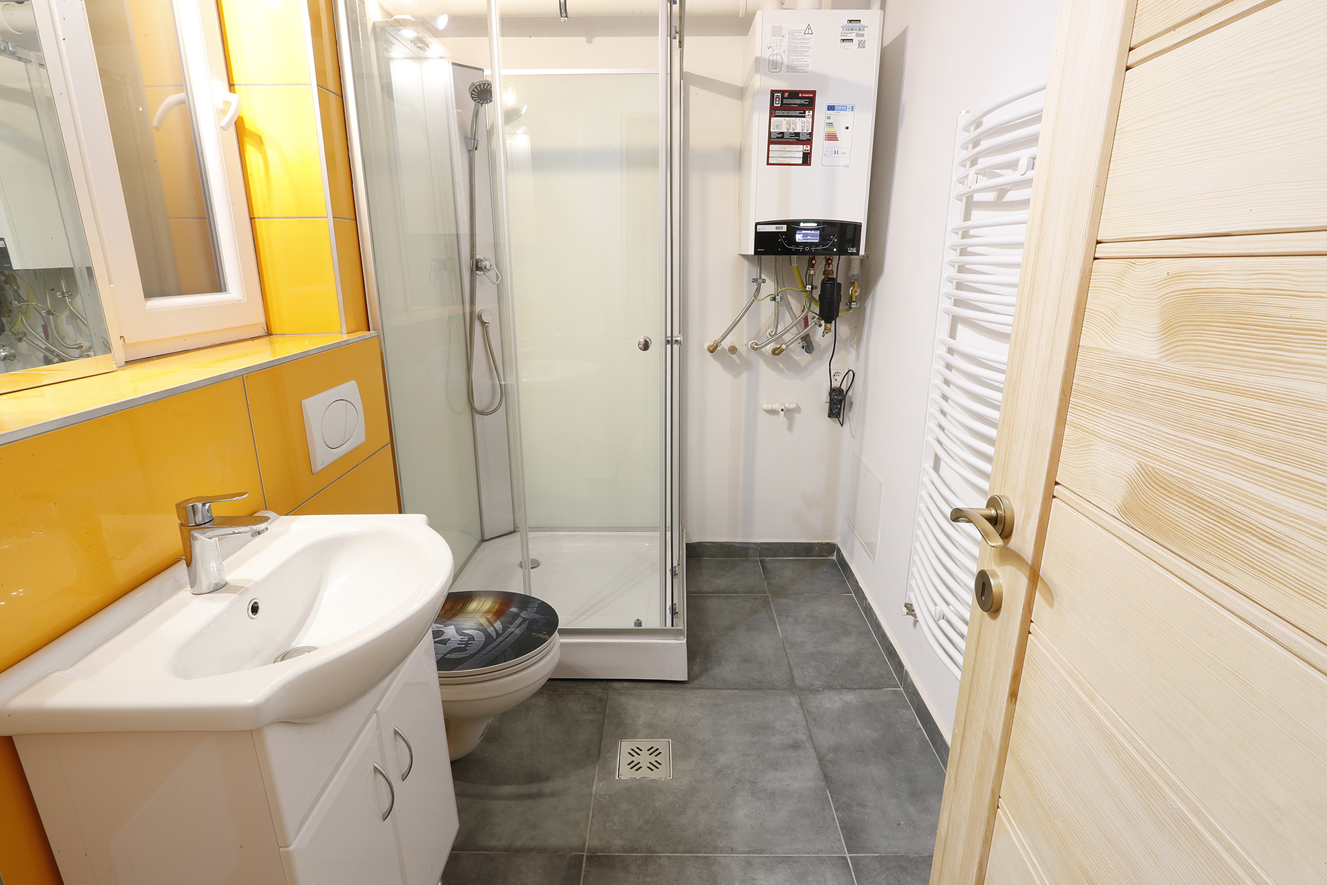 Bathroom_1_Student_room_for_rent_in_Budapest
